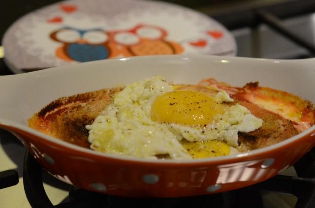 uova al forno pomodoro e mozzarella